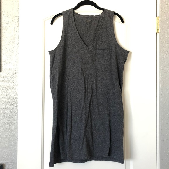 Madewell Dresses & Skirts - Madewell V-Neck Pocket Tank Dress